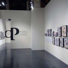 """Sistemi espositivi Museofab per allestimenti museali. Cornici espositivi, Mostra """"350 anni della Gazzetta di Mantova"""""""