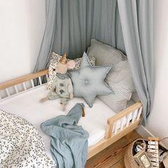 Cecile Fossey sur Instagram: Vous me demandez souvent d'où vient le petit lit de Gustave, son matelas et le linge de lit donc je me suis dit qu'une petite récap…