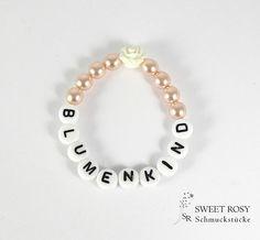Accessoires - Blumenkind Armband Perlen Rose Buchstaben apricot creme Geschenk Hochzeit - ein Designerstück von sweetrosy bei DaWanda