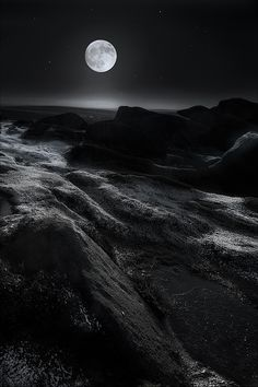 "(via 500px / ""Moonshine"" by Andy Astbury)"