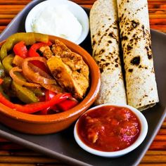 Recipe for Chicken Fajitas in the Crockpot  (from MomFood) [from KalynsKitchen.com]