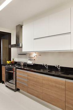 Simple Kitchen Design, Kitchen Room Design, Interior Design Kitchen, Kitchen Decor, Small Modern Kitchens, Modern Kitchen Interiors, Custom Kitchens, Kitchen Cabinets Drawing, Black Kitchen Countertops