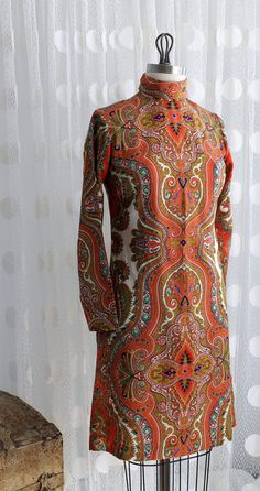 Vintage Paisley Turtleneck Dress.  Sleek *and* groovy. Would look cute with a bob haircut