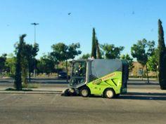 #Spazzatrice Stradale Tennant 636 (limpiando en el Xanadú - Madrid).