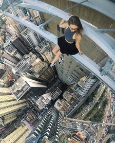 20 Scary Yet Beautiful City Climber Selfies Unbelievable Pictures, Cool Pictures, Cool Photos, Beautiful Pictures, Parkour, Foto Picture, Photo Pin, Scary Places, Crazy People