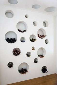 Unique, contemporary and stylish wine storage design. An excellent use of space if cellar footing is required. Cave A Vin Design, Wall Design, House Design, Loft Design, Ceiling Design, Room Deco, Wine Display, Bottle Display, Display Ideas