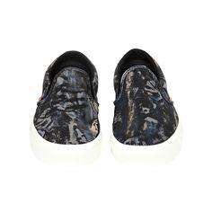 Classic slip-on nature camo sneakers, Camo, Men's Fashion, Slip On, Sneakers, Classic, Nature, Shoes, Camouflage, Moda Masculina