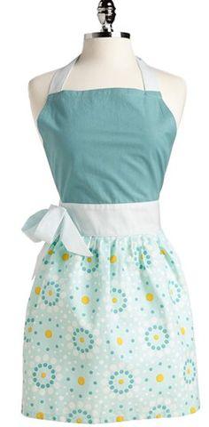 Pretty blue apron http://rstyle.me/n/djzs6nyg6
