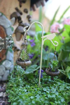 Lovely fairy garden accessory...diy-able