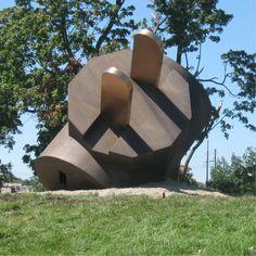 Claes Oldenberg: 3-Way Plug - on grounds of Philadelphia Museum of Art