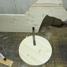 https://www.handmadekultur.de/projekte/holzpferd-selber-machen_138439