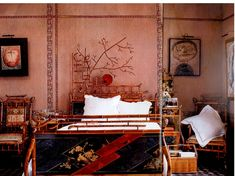 beautiful bed...Paris townhouse decorated by Renzo Mongiardino and Claudio Briganti
