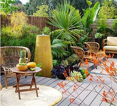 No-chores backyard. Easy-care plants and materials create a low-maintenance garden that can fend for itself for weeks at a stretch. See how durable furnishings, bulletproof plants, no-fuss flooring, and clever details make it work.