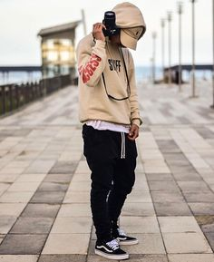 Streetwear Onizuka Daily Streetwear Outfits Tag to be featured DM for promotional requests Men's Fashion, Tween Fashion, High Fashion, Fashion Outfits, Men's Outfits, Fashion Black, Fashion Ideas, Vintage Fashion, Street Outfit