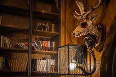 la Joben Bistro, un loc desprins din cărțile lui Jules Verne Jules Verne, Animals, Animales, Animaux, Animal, Animais
