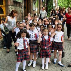 A friendly #hello from #Yerevan, #Armenia Photo: Martin Klimenta #CaucasusTravelwithMIR #school #southcaucasus #caucasustravel #armeniatourism #tourarmenia #seetheworld #instapassport #travel #tourism #localculture #locals