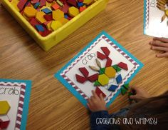 Transition activity Pattern Blocks are a great independent math center that work on a variety of skills including shapes, spatial awareness and problem solving. These ocean themed pattern blocks come with 10 different animals in 4 levels of difficulty. Preschool Learning, Kindergarten Math, Teaching Math, Preschool Ocean Activities, Teaching Ideas, Educational Activities, Preschool Ideas, Math Classroom, Classroom Themes