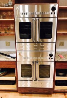 A pair cool of 30 gas wall ovens. Experience the power of BlueStar in your home, featuring exceptional, chef-forward performance and design. Kitchen Stove, Kitchen And Bath, New Kitchen, Kitchen Appliances, Kitchen Pantry, Kitchen Ideas, Bakers Kitchen, Gas Wall Oven, Electric Wall Oven
