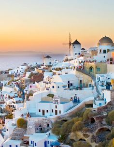 Who wouldn't want to holiday here? I mean.. really. Look at it. Loooook at Greece and all it's serenity.
