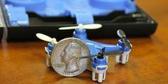 Wallet Drone cuesta $45 dólares, es el drone mas pequeño http://j.mp/1PmKTg7    #Drone, #Monetización, #Podcast, #Tecnología, #WalletDrone