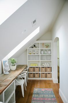 Sharing beautiful inspiration for Eye Candy this week. Instead of being overwhelmed by these spaces, try picking up something simple from them to implement,