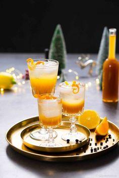 Wacholdersirup und Juniper Mocktail mit Zitrusfrüchten. Ein alkoholfreier Cocktail der nach Gin schmeckt!