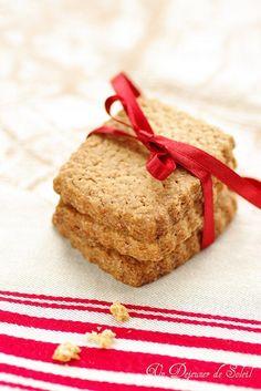 Crunchy speculoos cookies as chez Dandoy in Bruxelles. Speculoos Recipe, Speculoos Cookies, Biscotti, Pasta, Biscuit Cookies, Saveur, Nutritious Meals, Paleo Diet, Sweet Treats