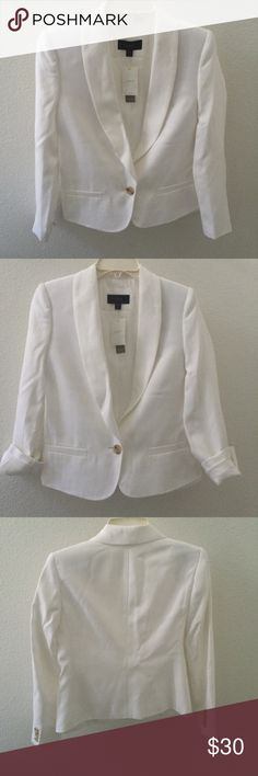 ❄️ Pure white j crew one button blazer Pristine, pure white blazer with light brown buttons Brand new with tags Size 0p Beautiful tailoring and textiles! Pictures don't do this justice! First picture features it paired with a black and white linen dress, which is also listed in my closet! 😉 J. Crew Jackets & Coats Blazers