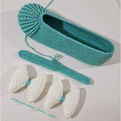 Image Article – Page 615937686519151366 Diy Crochet Flowers, Crochet Doily Rug, Crochet Slippers, Crochet Gifts, Crochet Baby, Crochet Patterns, Shoe Pattern, Learn To Crochet, Sock Shoes