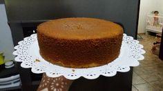 O Pão de Ló Amanteigado da Ana Salinas é maravilhoso! Ele pode ser utilizado em bolos com pasta americana ou chantilly e, além de perfeitos, eles ficarão d