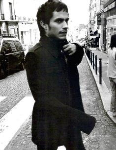 gael garcia bernal - one if my all time celeb crushes, love his style