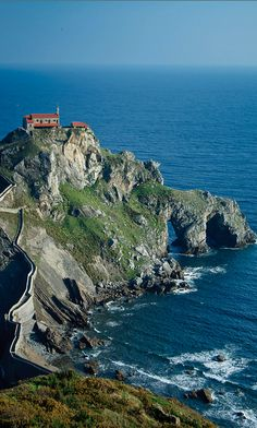 San Juan de Gaztelugatxe on the Bay of Biscay in Basque Country, Spain • photo: Patrick Dobeson on Flickr