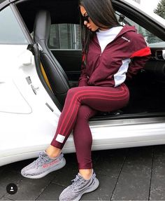 Image may contain: one or more people and shoes Sporty Outfits, Nike Outfits, Fashion Outfits, Fresh Outfits, Urban Outfits, Men Fashion, Spring Outfits, Yezzy Shoes Women, Yeezy Womens