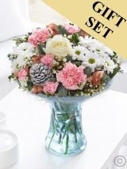 Winter Perfect Gift With Chocolates Christmas Flower Delivery, Best Flower Delivery, Online Flower Delivery, Flower Delivery Service, Christmas Flowers, Winter Flowers, Valentines Flowers, Mothers Day Flowers, Send Flowers
