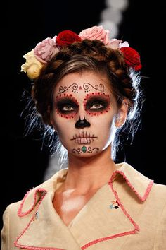 gorgeous Dia de los Muertos. Done w eyeshadows ❤️❤️❤️❤️❤️