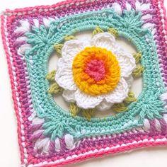 Picture Perfect Peony Square & Hexagon pattern by Crafty CC Free Crochet Square, Crochet Square Patterns, Hexagon Pattern, Crochet Chart, Crochet Squares, Crochet Motif, Crochet Flowers, Granny Squares, Crochet Granny