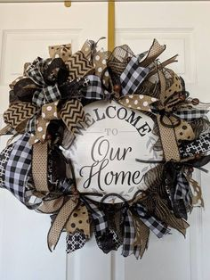 Are you looking for a wreath that you can leave up year round? This is a great Summer, Spring, Fall, and Winter Wreath. Rustic feel and full of charm. Mothers Day Wreath, Valentine Day Wreaths, Holiday Wreaths, Holiday Crafts, Christmas Decorations, Holiday Decor, Christmas Booth, Christmas Trees, Merry Christmas