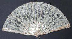 A late 19th/early 20th century pierced mother-of-pearl fan