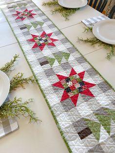 Christmas Quilt Patterns, Christmas Sewing, Christmas Fabric, Christmas Crafts, Christmas Patchwork, Christmas Quilting Projects, Christmas Trees, Purple Christmas, Coastal Christmas