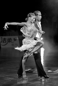 New salsa dancing pictures cha cha Ideas Baile Jazz, Dance Baile, Shall We Dance, Lets Dance, Ballroom Dancing, Swing Dancing, Dance Like No One Is Watching, Latin Dance Dresses, Salsa Dancing