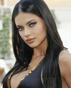 Pretty Eyes, Beautiful Eyes, Most Beautiful Women, Beauty Full Girl, Beauty Women, Foto Top, Tree Woman, Brunette Beauty, Adriana Lima