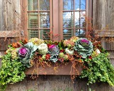 Cheap Easy Fall Window Boxes Ideas – Decorating Ideas – Home Decor Ideas and Tips - Pflanzideen Winter Window Boxes, Window Box Plants, Window Box Flowers, Window Planter Boxes, Fall Flower Boxes, Winter Flowers, Fall Containers, Succulent Containers, Container Flowers