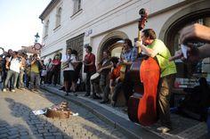 Praha má novou vyhlášku pro provozování pouliční umělecké produkce - busking (Portál hlavního města Prahy)