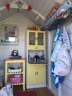 Ideal Garden Shed Designs For Your Garden Area Beach Hut Interior, Shed Interior, Beach Hut Decor, Beach Cottage Decor, Beach Shack, Beach Huts, Surf Room, Garden Nook, Beach Cabana