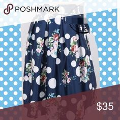 """Polka dots mixed with plants skirt One size. Fitting from S to L. Elastic band and side zip. Length: 21-22"""" waist in normal condition:  26-28"""" can be stretched to 34"""" Skirts"""
