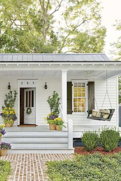 Most Antique And Beautiful Farmhouse Front Porch Decoration Ideas Foundation enclosure – boards with airflow Garage & House Exterior Farmhouse Porch Swings, Farmhouse Front Porches, Modern Farmhouse Exterior, Farmhouse Style, Rustic Farmhouse, Cottage Farmhouse, Cottage Porch, Farmhouse Design, Bungalow Porch