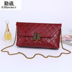46.96$  Buy here - http://alik92.shopchina.info/1/go.php?t=32817133123 - Genuine Cowhide Leather Women Shoulder Bags Mini Fashion Vintage Style Summer Beach Crossbody Bags 2017 Chains Blosas  #aliexpress