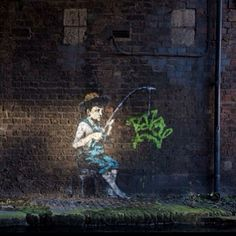Last week Banksy, the successful graffiti artist turned millionaire and darling of art collectors, popped up with 4 new murals on the Regent's Canal in London. Banksy Paintings, Banksy Art, Bansky, Graffiti, Climate Change Debate, Stencilling Techniques, Regents Canal, Best Street Art, Throughout The World