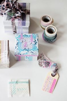 Beautiful ribbon and washi tape. Highlights: My Class in Berlin Creative Gift Wrapping, Present Wrapping, Wrapping Ideas, Love Gifts, Diy Gifts, Handmade Gifts, Washi Tape Cards, Washi Tapes, Masking Tape