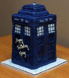 [DOCTOR WHO] TARDIS birthday cake